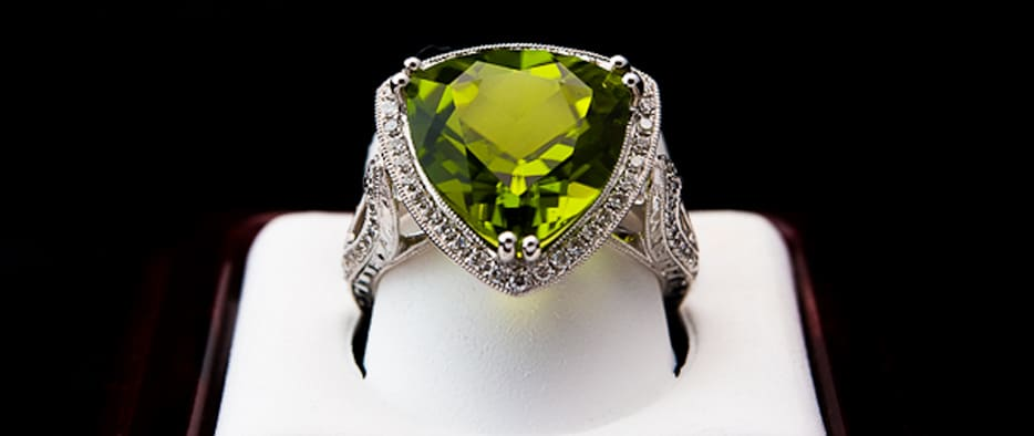 August's birthstone peridot