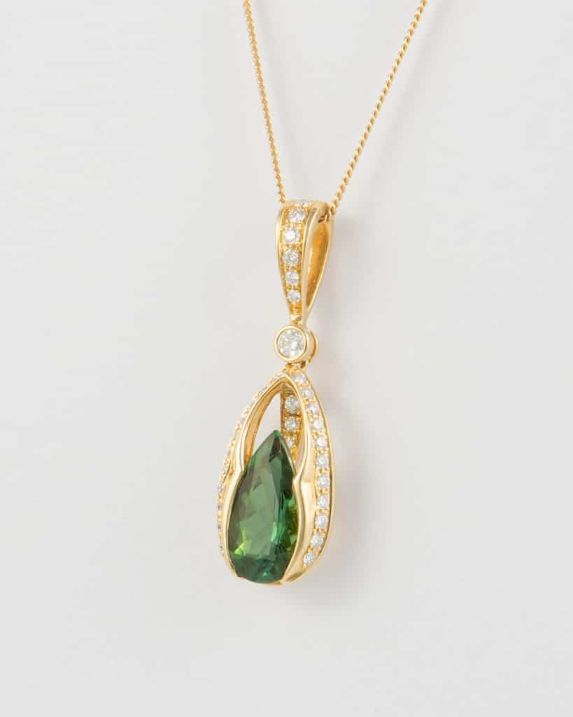 greentourmalineyellowgolddiamondpendantside1
