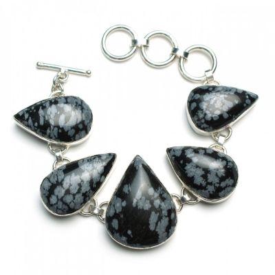 Toggle jewelry clasp on a bracelet.