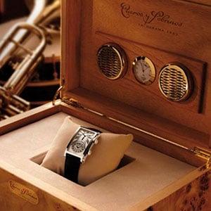 Cuervo y Sobrinos Watch in humidor case.